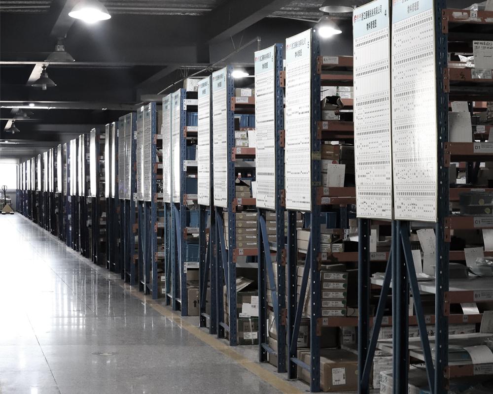 焊机必威体育手机投注客户端-辅料仓库